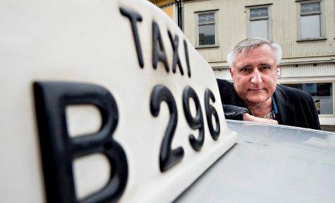 ØKTE IGJEN: Taxisentralen i Fredrikstad og Sarpsborg omsatte for over 150 millioner kroner i fjor. Det overrasket daglig leder Terje Raanås.
