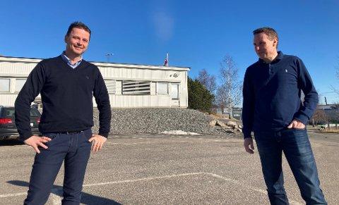 Esben Jensen (til venstre) rykker opp og blir prosjektsjef sammen med Rune Magnussen. Begge skal jobbe fra Solids kontorer  på Rolvsøy.