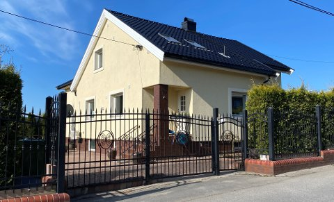 Dette huset i Kirkeveien 19 på Lande er solgt.