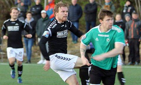 MÅLFARLIG: Sondre Bergstedt Flaat satte inn 23 seriemål for Skarp i år. Nå skal han være ønsket av Mjølner i PostNord-ligaen, to divisjoner over Skarp i 2019.
