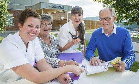 Gleder seg: Fra venstre: Sykepleier Camilla Brenna, teamleder i Gil Mona Myrvang, sykepleier Cathrine Ernestus og kommuneoverlege Åge Henning Andersen.