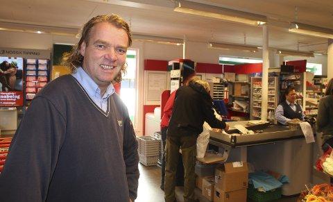 SUKSESS: Åke Kolstad overtok som daglig leder i Joker Finnskogen for ett år siden. På et halvt år snudde han et underskudd til overskudd.