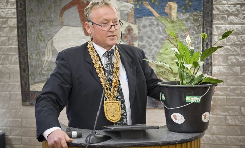 TILBAKE: Knut Gustav Woie (Sp) blir ny settevaraordfører og skal vurdere den omtalte varslersaken i Eidskog. Men også han kan være inhabil, mener blant andre Per O. Stenslet (H). FOTO: JENS HAUGEN