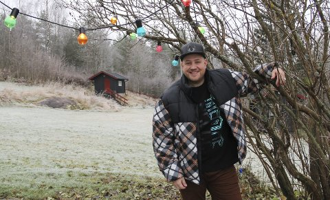 Trives godt: Bjørn Olav Edvardsen har vært med i både The Voice, Korslaget og Idol. Etter noen år litt borte fra scenelivet, er han igjen aktuell med musikk, og han har flyttet til Nord-Odal. bilder: kari gjerstadberget
