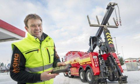 Lars Erik Karlson hos Kr. Repseth Auto er forberedt på det første snøfallet.