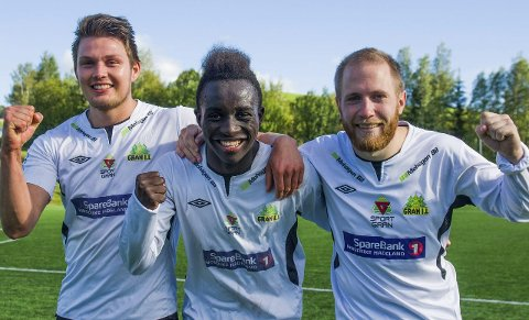 GLADE MÅLSCORERE: Kenneth Nygaard (til venstre), Nicolas Kamango og Håvard Olsen lagde målene da Gran slo Nordre Land.