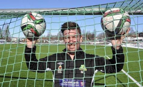 NETTSUS: Mikal Linstad i Gran IL Fotball regner med et par tusen scoringer i løpet av de to fotballcupene i april.