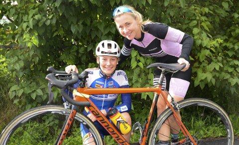 LÆRER OG ELEV: Trener Tina Andreassen har stor tro på 15 år gamle Natalie Midtsveen.