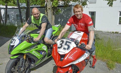 TO MENN PÅ SYKKEL: Glenn Erik Andresen og Stig Flemming Jensen kjemper blant de beste i landet i Roadracing.