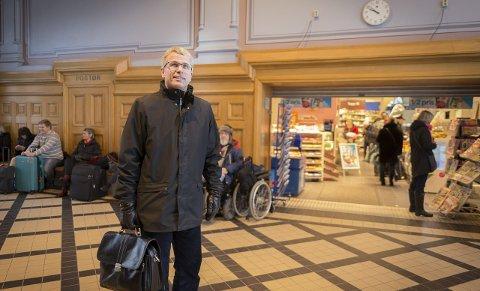 PENDLER: Bjørn Lien ber folk om å være mer mobile, og må selv pendle til Akershus, hvor han er fungerende fylkesdirektør.