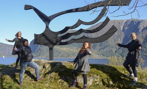 Byr opp til dans og deling av danseopptak og foto:  Johanna Mjeldheim, Line Iversen , Agnete Sivertsen og Magni Rossvold. Foto: Mette Bleken