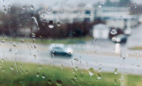 FUKTIG: Mer regn er underveis.