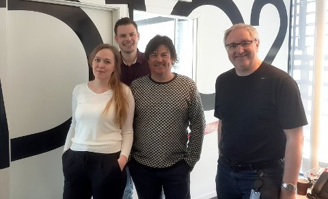 VANT PRIS: Monica Thorsen vant pris for årets lokale radioprogram under PRIX Radio 2020. Her sammen med Eivind Kallevik, Thor Magnar Thorsen og Egil Houeland.