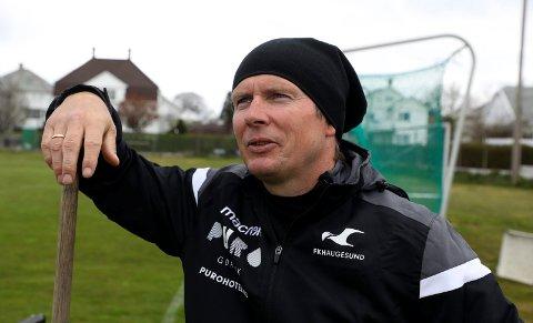 TILBAKE: FKH-trener Jostein Grindhaug var fredag på plass på Haugebanen igjen - for å tråkke.