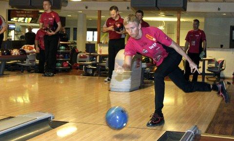 Tilbake: Mathias Reinertsen er tilbake i Sandnessjøen, og han er en av spillerne som har spilt godt i høst. – Mathias ligger veldig bra an, sier Eddie Solheiim.foto: per vikan