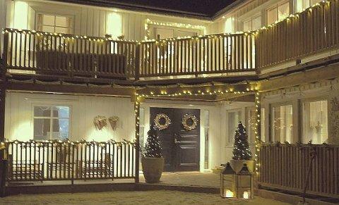 Vinnerhuset: Karoline Johnsen og Raymond Fagerheim vant julehuskonkurransen med dette huset. foto: privat