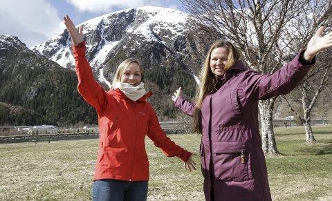 LANSERING: Marte Nystad Glad (t.v.) og Ellen Strøm Brodtkorb lanserer de nye turmålene. Appen kan lastes ned torsdag og forberedelsen kan starte fram mot 15. mai.  FOTO: PER VIKAN