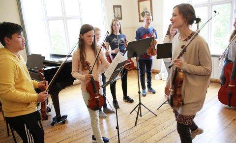 Kammerkonsert: Det blir flere huskonserter og kammerkonserter. Her ser vi en konsert på Toppenkurset i 2017. foto: Jon Steinar Linga
