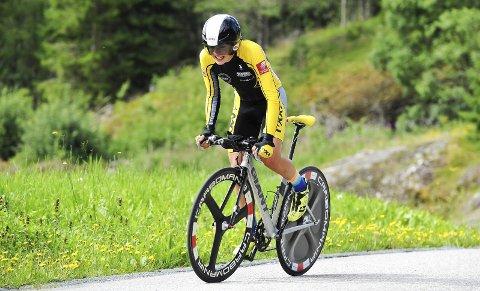 DEBUT: Tre knallharde ritt i Trøndelag var Martin Solhaug Hansens debut i norgescupen. Her er han på temporittet.  Foto: Svein Halvor Moe