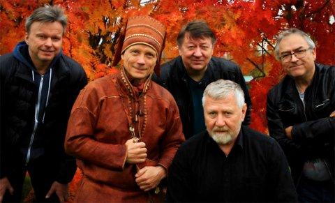 IVNNIIGUIN: Roger Ludvigsen (fra venstre), Iŋgor Ánte Áilo Gaup, Heaika Hætta, Sverre Hjelleset og Nils Martin Kristensen.