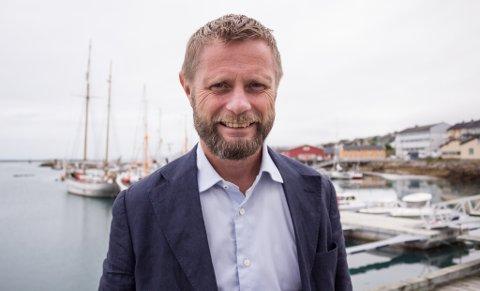 FOR DÅRLIG: Babcock som fra i sommer har ansvar for å fly ambulansefly i nord, har ikke klart å ha beredskapen de skulle hatt. Helseminister Bent Høie synes ikke noe godt om det.