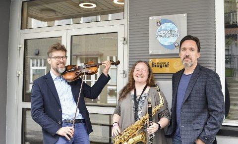 Nytt skoleår: Kulturskolelærerne Robert Czyz og Ragnhild Brekke, samt rektor Thomas Moen gleder seg til et nytt skoleår fra høsten av.