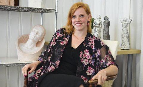 Toppkarakterer: Sara Sofie Hagle gikk to år på Kragerø kunstskole før hun fullførte bachelorgraden i England. Der gikk hun ut med toppkarakterer.