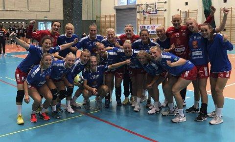 TREDJEPLASS: Skrimspillerne jubler for seier i den siste kampen og tredjeplass i turneringen i Polen.ALLE FOTO: ELIN K. KÅSA