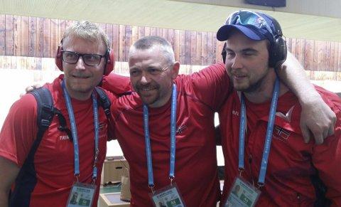 GULLGUTTENE: Kim-André Aannestad Lund (t.v.), Hans Kristian Wear og Ole Magnus Bakken tok gull i lagskytingen under militær-OL i Kina.