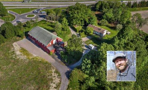 MATHALL: På denne eiendommen ved E18 er Matriket planlagt. Harald Oskar Buttedahl har vært med mer eller mindre fra starten, men trekker seg ut etter uenighet med de øvrige eierne.