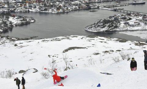 Fantastisk utsikt: Deltakerne så rett ned på Svolvær. Foto: Therese Edvardsen Helberg)