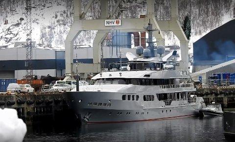 LOVLIG LAST: Drikkevarene som Magna Grecia hadde med seg, med en anslått verdi på seks millioner kroner, var lovlig last. Men da skipet anløp Narvik, ble de beslaglagt.