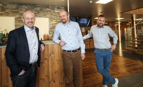 BLIR STORE: Braathe Gruppen i Rygge vokser i ekspressfart. – Vi har en klar vekststrategi, og hele Norge er vårt marked, sier fra venstre adm.dir. Tron Braathe, styreleder Ole Braathe og markedssjef Anders M. Pedersen.