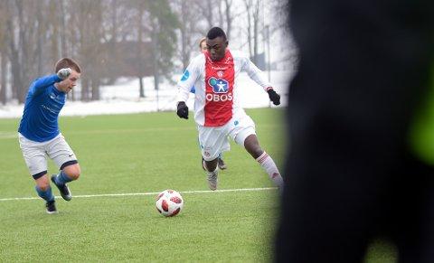 VIL VISE SEG FREM: Abdul-Basit Agouda ser på KFUKM/Oslo og OBOS-ligaen som en bra kamparena.