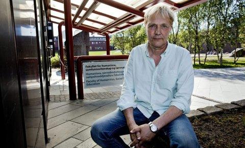 Professor i statsvitenskap ved Universitetet i Tromsø, Kjell Arne Røvik, er ikke imponert over byrådet.