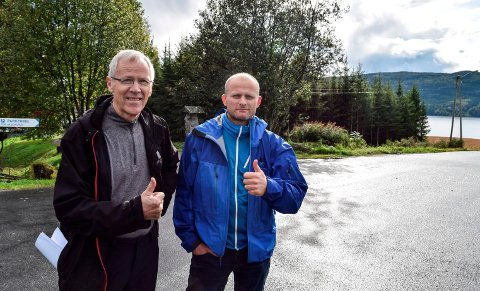 Lars W. Grøholt (t.v.) og Sven Sandvik i Hov Biovarme AS mener Søndre Land kommunes vekting av energibærere til nye Hovli omsorgssenter har flere feil og irrelevante vurderinger.
