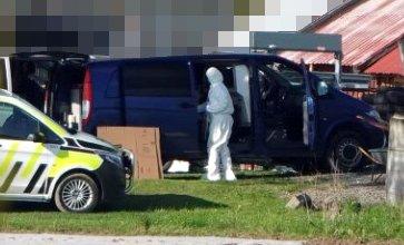 PÅGREPET: Nå er ytterligere en person pågrepet i forbindelse med den internasjonale operasjonen Trojan Shield. Dette bildet er tatt i mai under en aksjon på Toten som OA erfarer at er knyttet til saken.