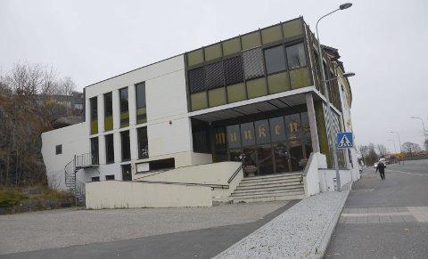 Brannsikres: Teaterhuset Munken skal nå få oppgradering til dagens nye brannsikringskrav. Foto: Bjørn-Tore Sandbrekkene