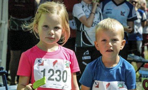 Tvillinger i par: Elise og Fredrik Nauf Borgersen, Hedrum (5) har startet sin O-karriere, og det i selveste Sørlandsgaloppen.