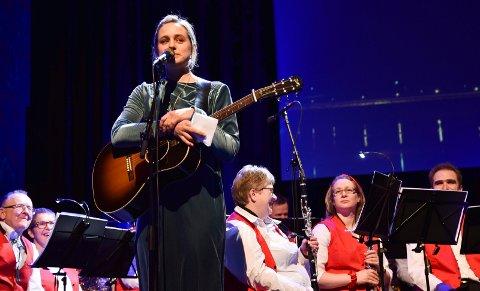 PRISVINNER: Frida Ånnevik er tildelt Skjæraasenprisen 2020. Her fra veterankorpsets 35. julekonsert i desember i fjor.