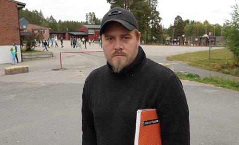 IKKE IMPONERT: FAU-leder ved Sønsterud skole, Henning Myrer, er ikke imponert over prosessen med ny skole.