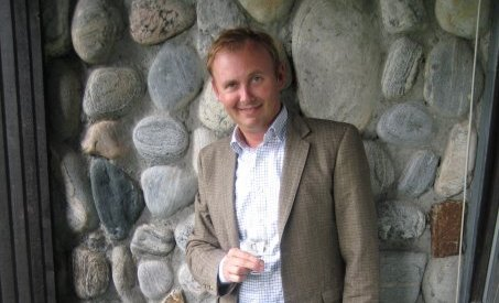 Kristian Finborud feirer snart 30 år som Voss-beboer. Der han han suksess med eget kunstverksted.