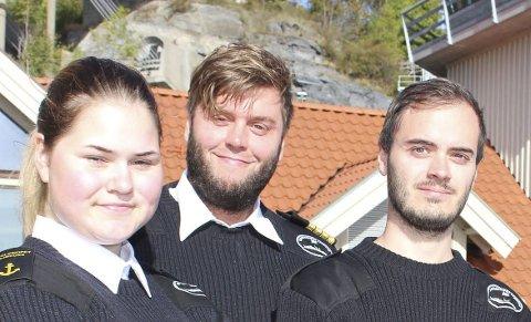 SKOLESKIPET: Kristine Ellingsen (17) er fra Vesterålen og er styrmannslærling om bord på skoleskipet Sjøkurs. Kaptein er Bjørnar Rimerud. Sondre Ljungstrøm er dekkskadett og har mål om å bli styrmann.