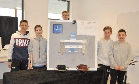 På andreplass: Gutta i elevbedriften Hønefeeder 3000 gjorde det bra i fylkesfinalen. Fra venstre: Wiktor Zagrodzki, Sindre Elnes, Odin Stensrud Kristiansen, Sean Henrik Christiansen og Ludvig Andreas Glosli.