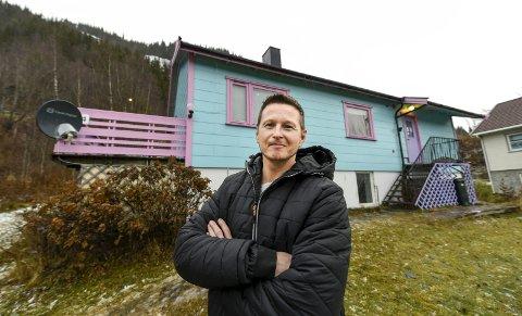 Sturla Andreassen og hans familie er strålende fornøyd med huset i Ranosen.