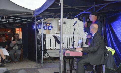 Kvalitet: Ulf Storbekk og Ronny Ødegaard spilte flere sanger av Sting til jubilanten.