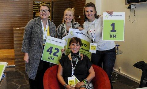 Kjempejobb: Mari Telise Nilsen, Marte Normann Bakke og Henriette Kullerud assisterer Janniche Larssen Bochmann mot RM.