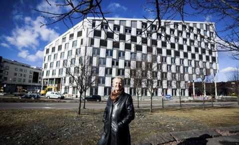 Fornøyd med resultatet: Sivilarkitekt Beate Bruun er fornøyd med hvordan Portalen har blitt seendes ut, og gleder seg til hele området står ferdig.Foto: Lisbeth Lund Andresen