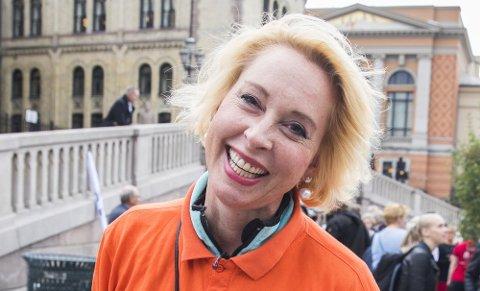 Lise Askvik på demonstrasjon i 2017 for det nye Helsepartiet, der hun er leder. Hun beholder vervet, samtidig som hun gjør radiocomeback. (Foto: Larsen, Håkon Mosvold/NTB scanpix)