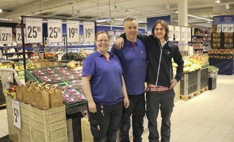 STORT OG NYTT: Lillian Tollefsen, Lars Christian Braathen og Øystein Lyngstad kan si seg godt fornøyd med den nye butikken i Slemmestad.